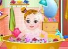 لعبة تنظيف الاطفال وتلبيسهم