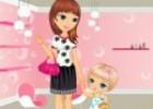 لعبة تلبيس الام وابنتها في صالون الاظافر